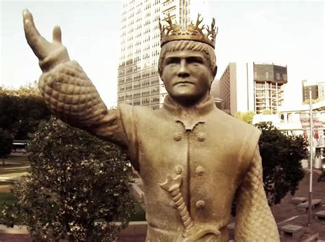 'Game Of Thrones' Fans Can Tear Down A Giant King Joffrey