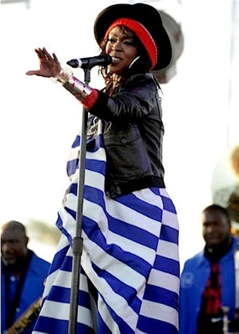 Lauryn Hill Pregnancy Dampens Fans Hope Of A Comeback