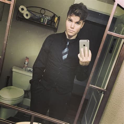 How Much Money Onision Makes On YouTube - Net Worth - Naibuzz