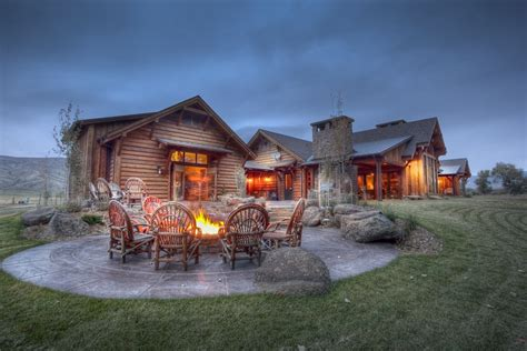 In Rural Montana, a High-End Home for Outdoor