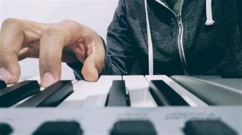 10 Best Midi Keyboards review & buyer guide (2020)