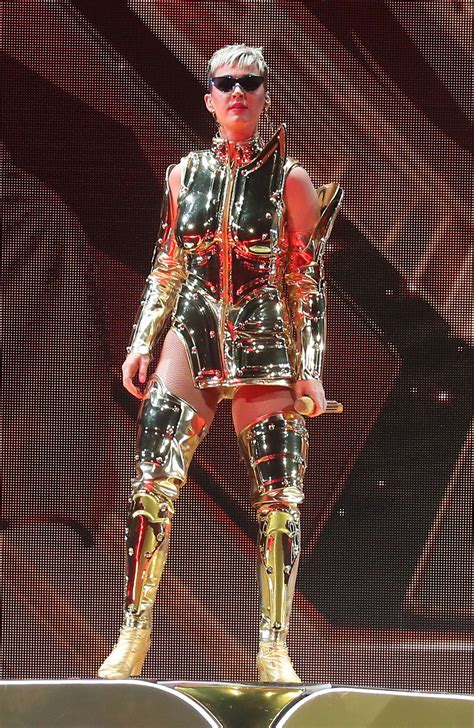 Katy Perry: Performs at Witness: The Tour at T-Mobile