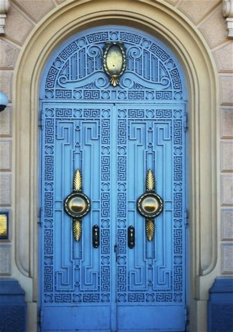 Beautiful Doors in the Middle East that Seem to Lead to