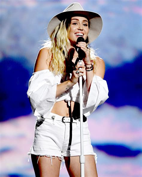 Discography | Miley Cyrus Wiki | FANDOM powered by Wikia