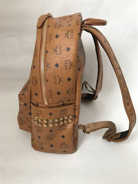 MCM Backpack Size M - Bags - Lyxen