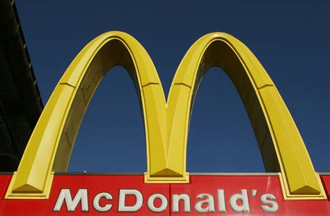 McDonald's trainees to get college diploma credits