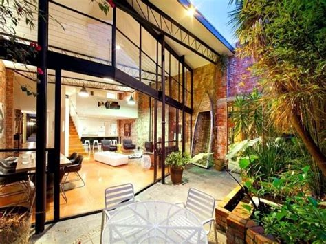 Modern semi-detached house with roof terrace offers