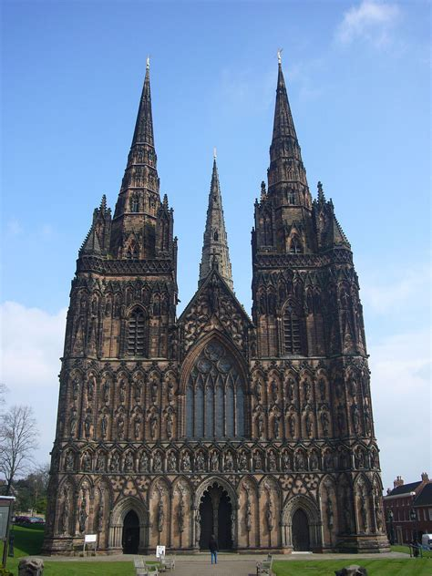 Lichfield – Travel guide at Wikivoyage